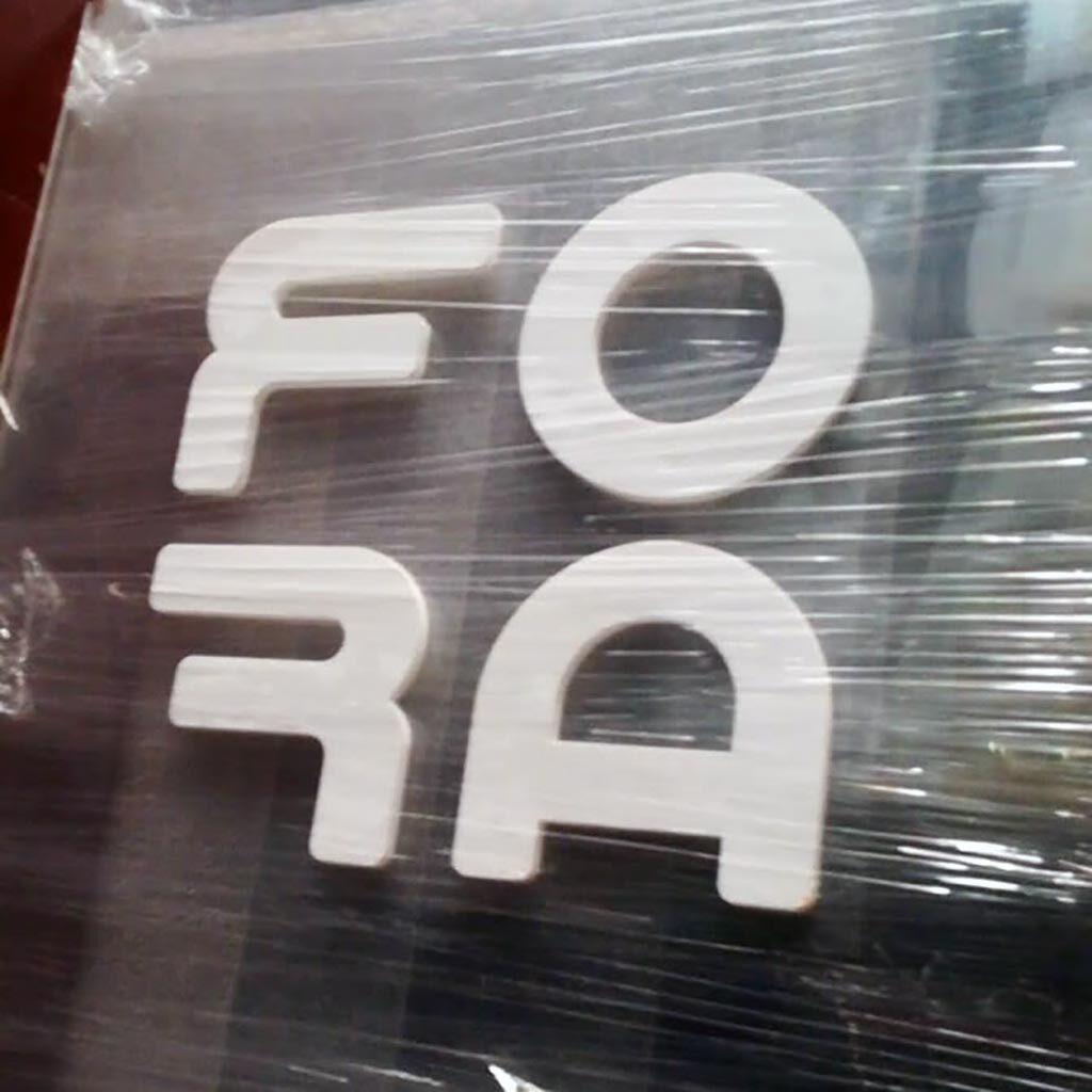 Avisos Publicitarios Medellín y Eje Cafetero letras en acrilico
